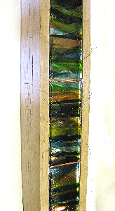 land-lines-4ft-green-oak-fused-glass-wire-free-standing