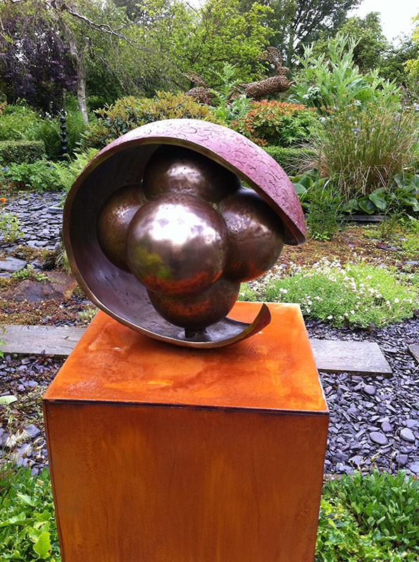 Embryo,-bronze-on-Cor-ten-steel